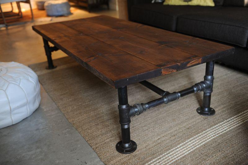 ruangan tamu industrial meja kopi