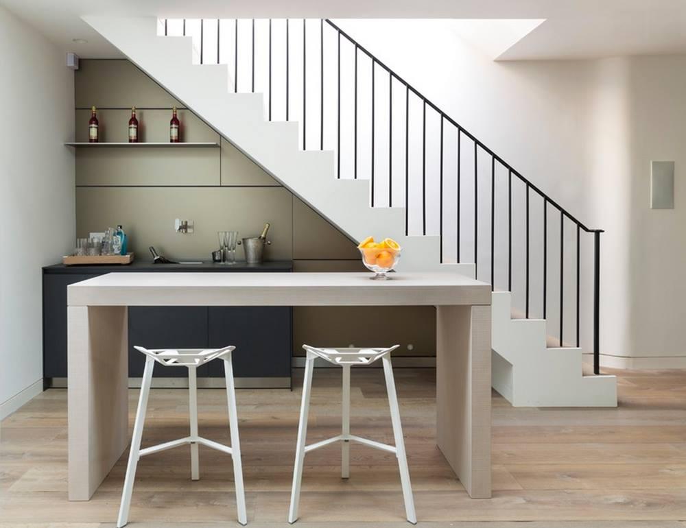7 Model Dapur Di Bawah Tangga Solusi Rumah Mungil