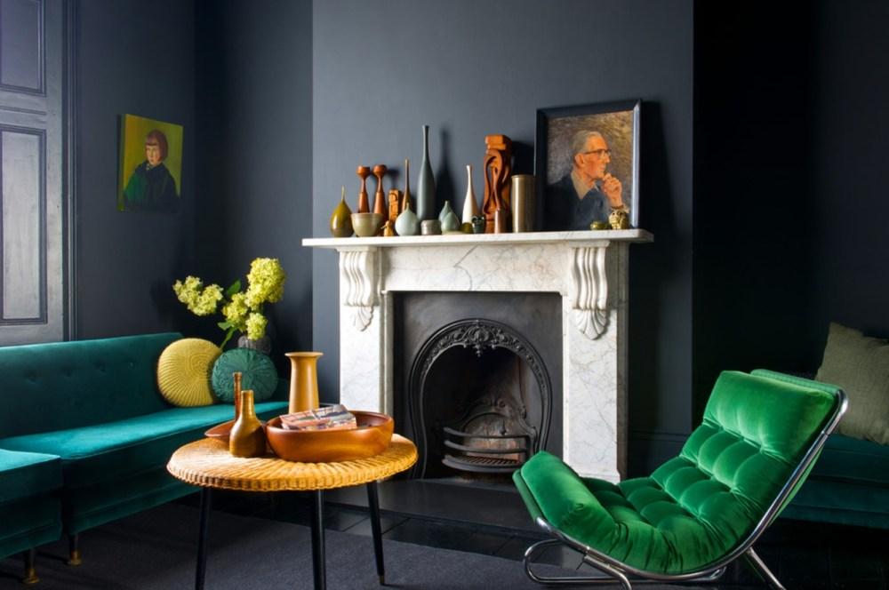 Sofa dan kursi hijau bahan velvet