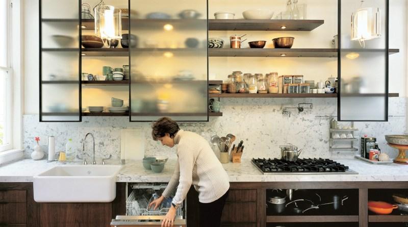 Kabinet dapur dengan bukaan digeser