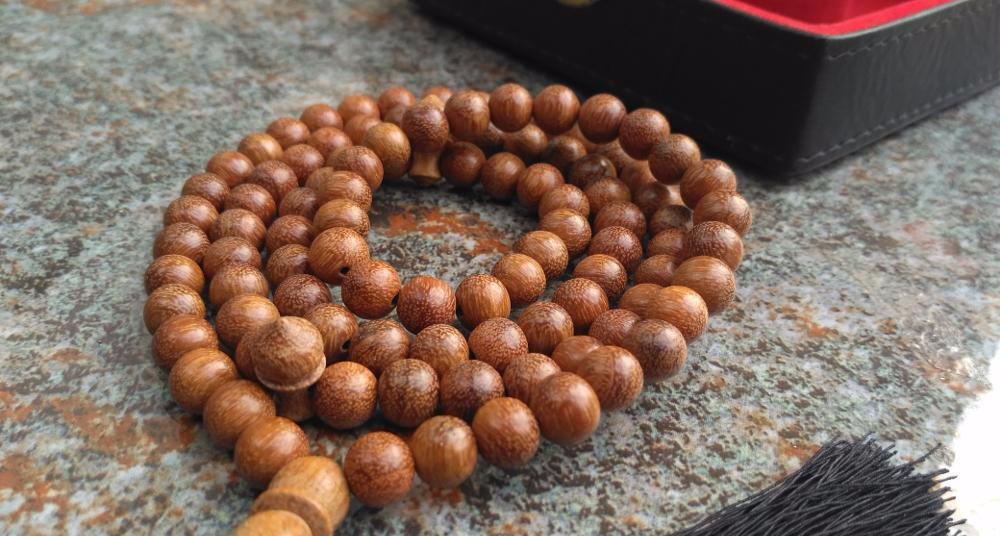 Perhiasan Kayu Ulin