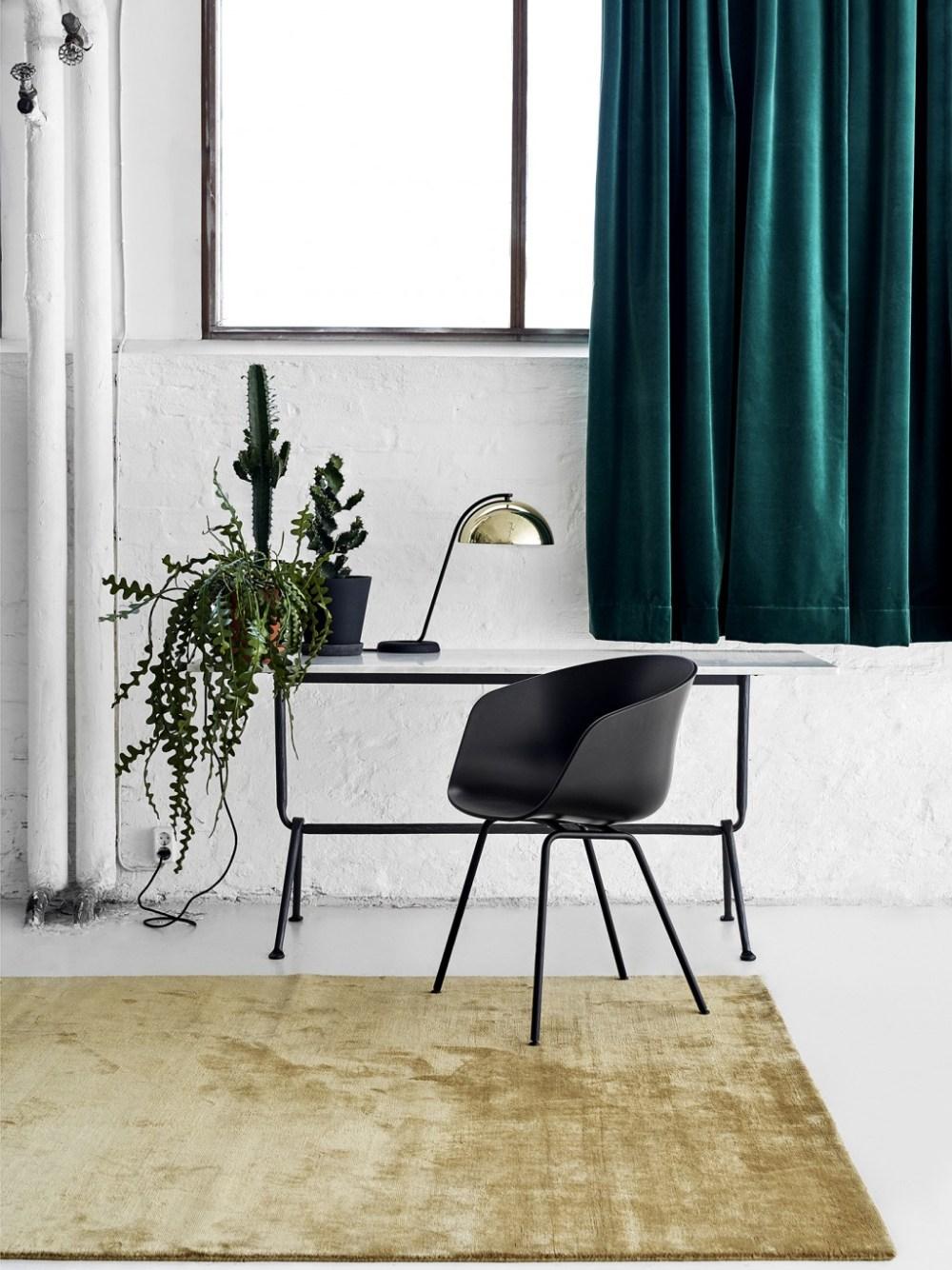 Tirai dan karpet bahan velvet