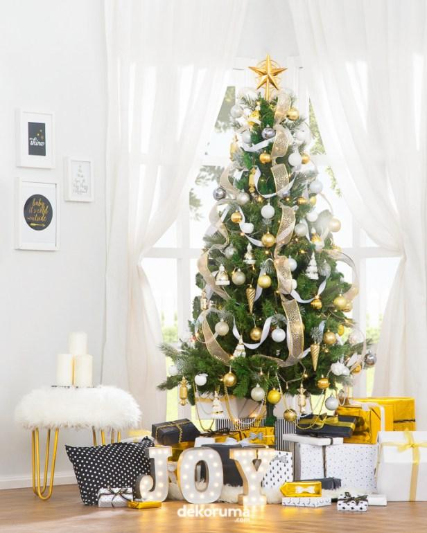 dekorasi natal pohon natal