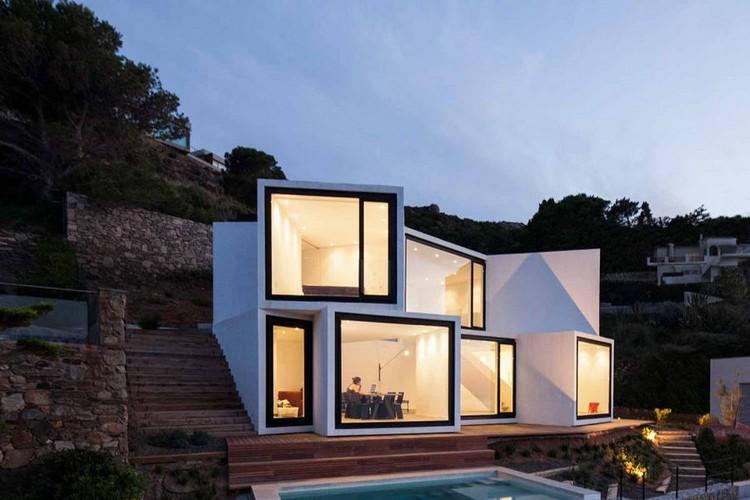 Dinding kaca sekaligus jendela