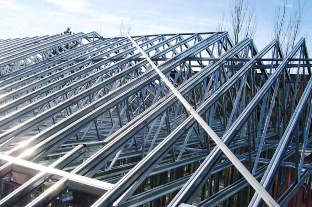 Biarpun terbuat dari bahan logam rangka atap baja ringan ini anti karat
