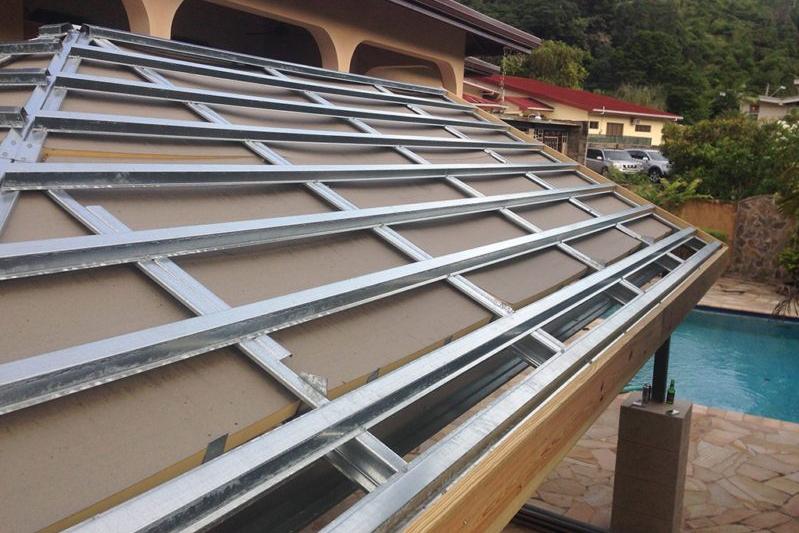 Material baja dari rangka atap baja ringan bisa didaur ulang