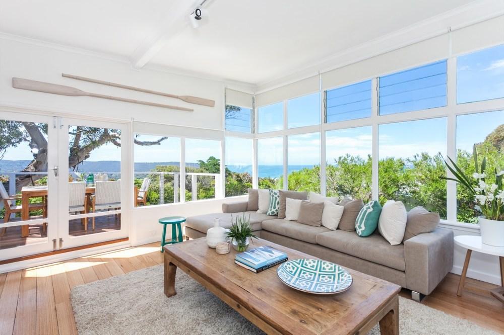 Desain rumah minimalis dua lantai beach style