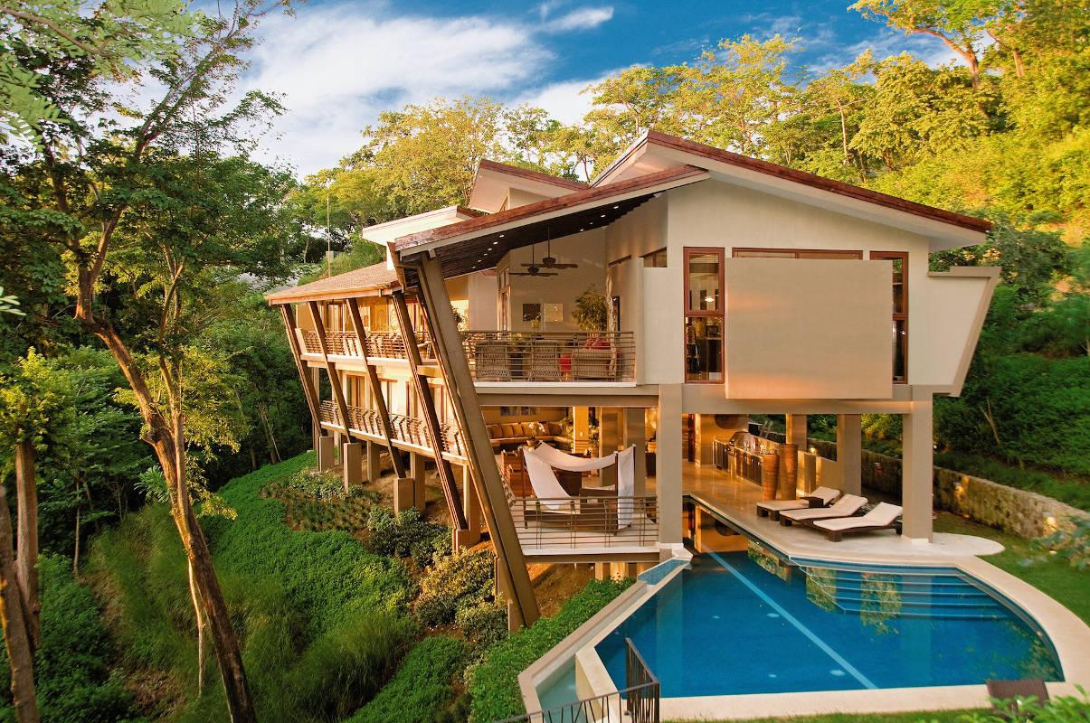 7 inspirasi rumah tropis modern yang pas untuk indonesia