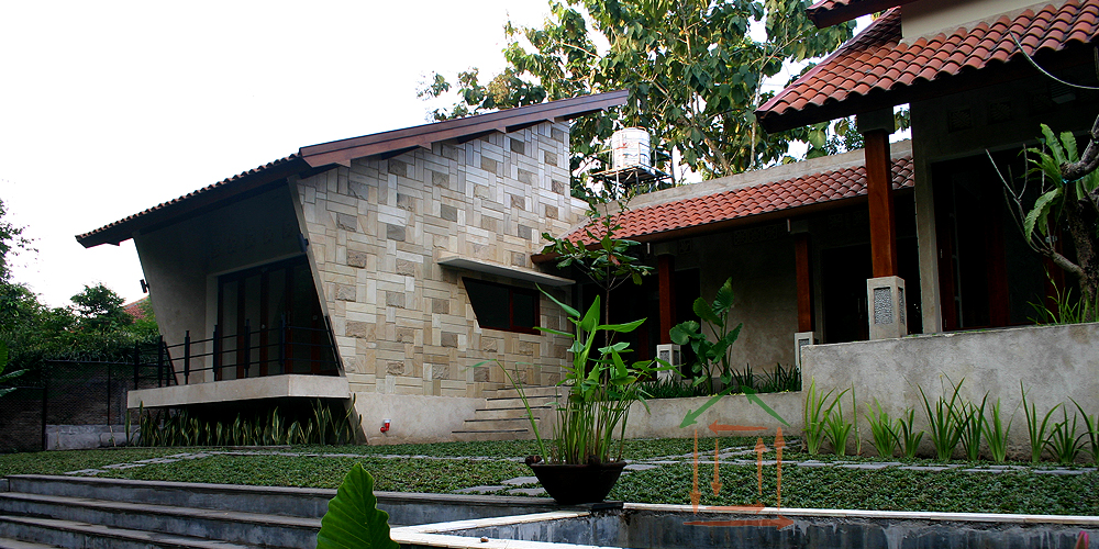 Arsitektur Tropis Atap Miring