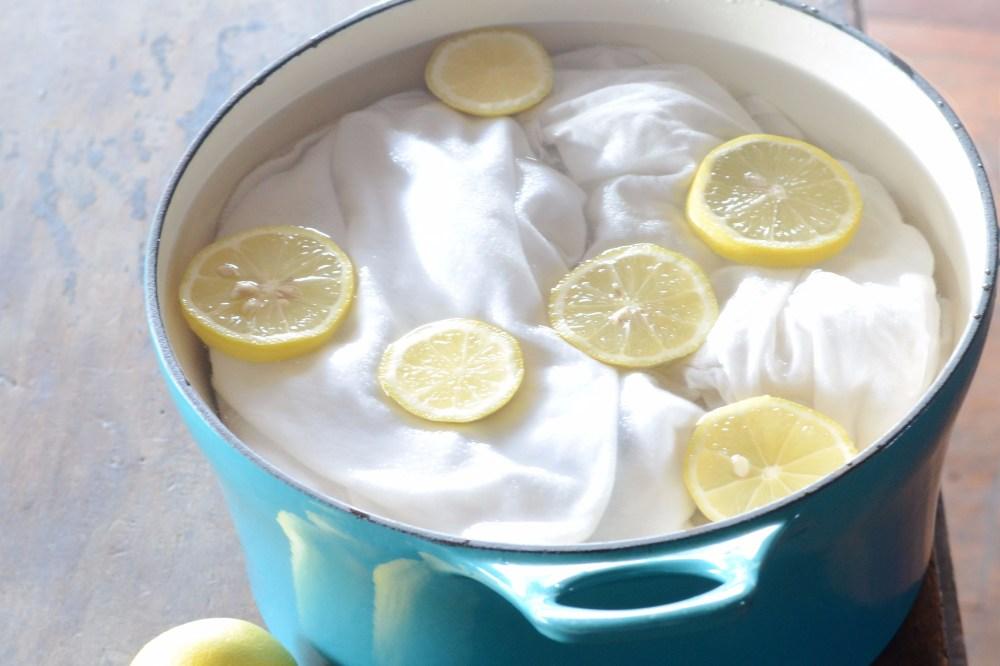 Mencuci Baju Dengan Lemon