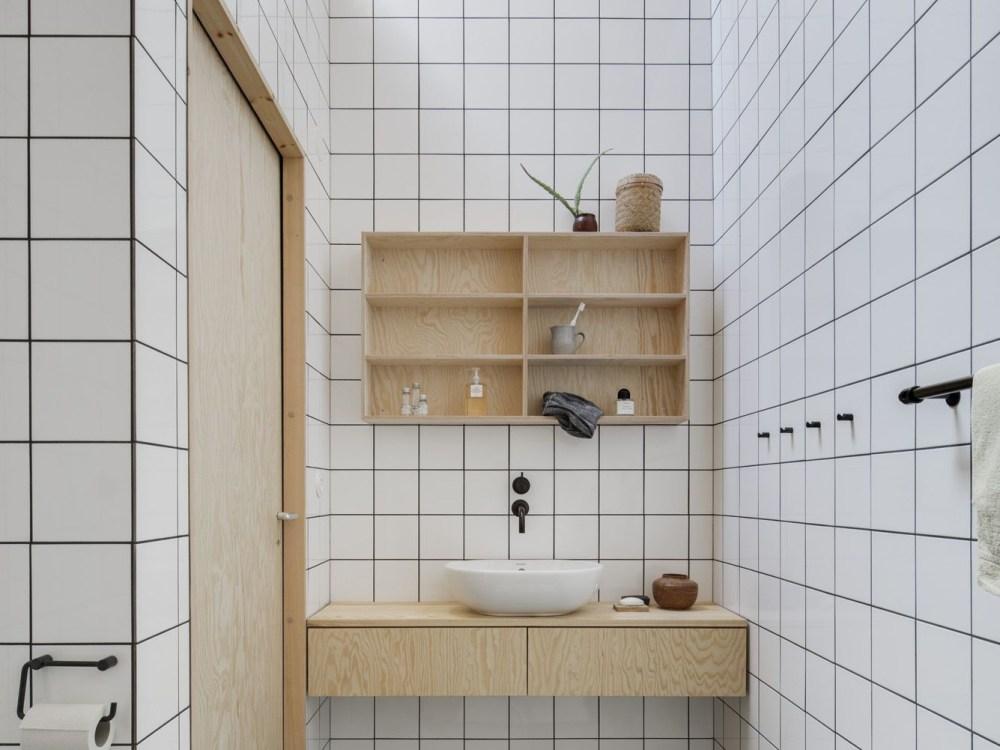 Furnitur kamar mandi dari kayu multipleks