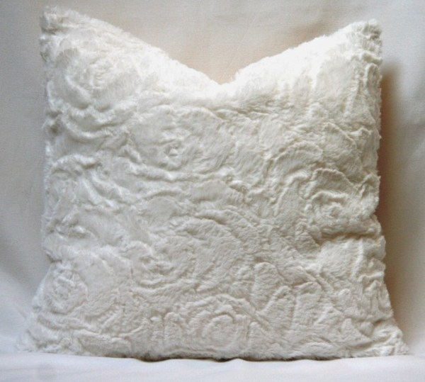 Poduszka w kropki