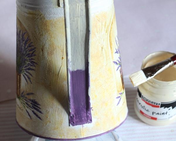 konewka z lawenda farby kredowe