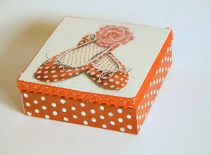 pudełko pantofelki decoupage2