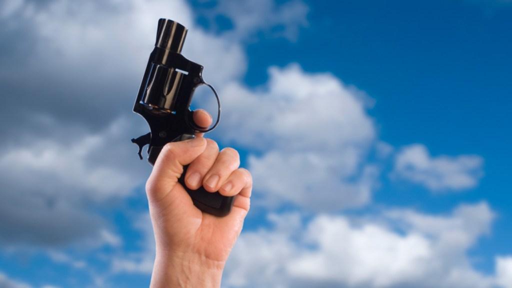 Pistola marcando la salida