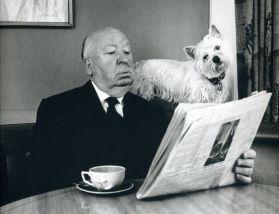 Hitchcock-leyendo-perra-Sarah_EDIIMA20160707_0647_5