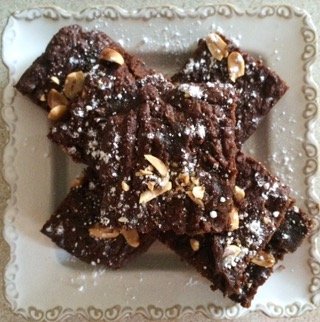 Salted Peanut & Date Caramel Brownies; Delalicious
