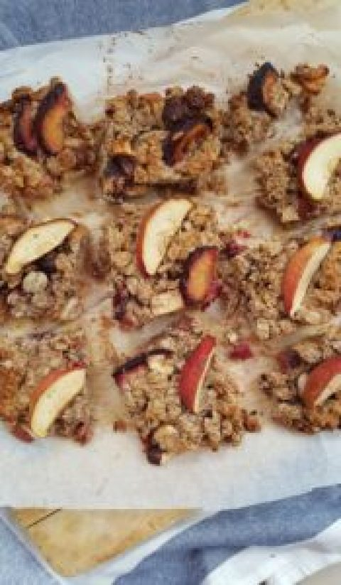 Hazelnut & Apple Oat Bars; Delalicious