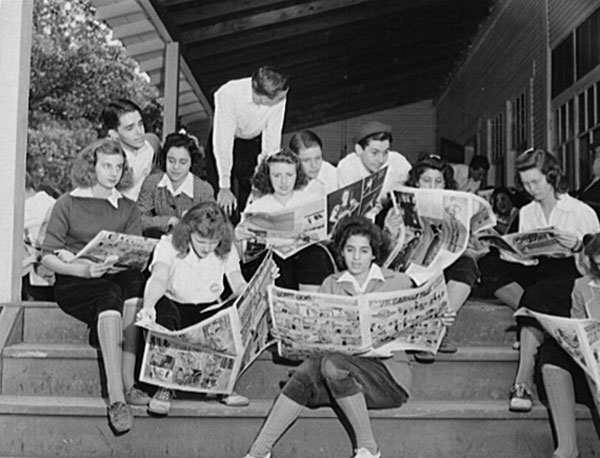 interlochenreadingthenewspaper1942