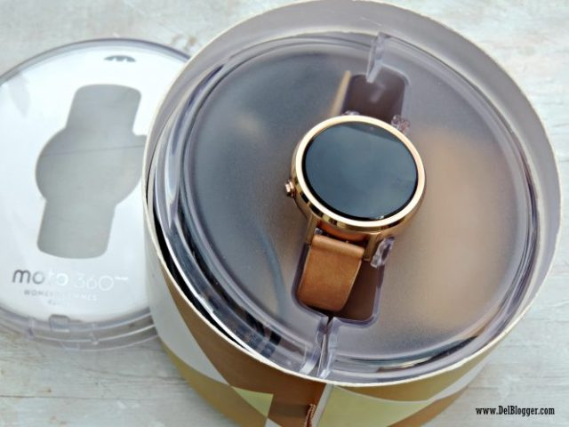 Moto360 Smartwatch out of the box