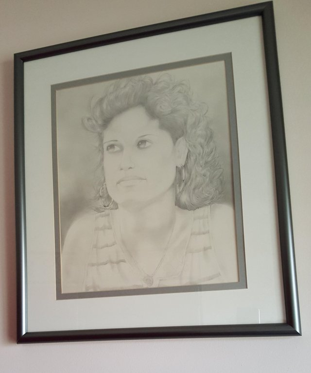 pencil sketch of Gloria Cross