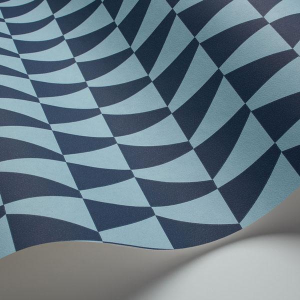 Detalle Papel pintado Trapez en color azul de la colección Scandinavian Designers de Borastapeter
