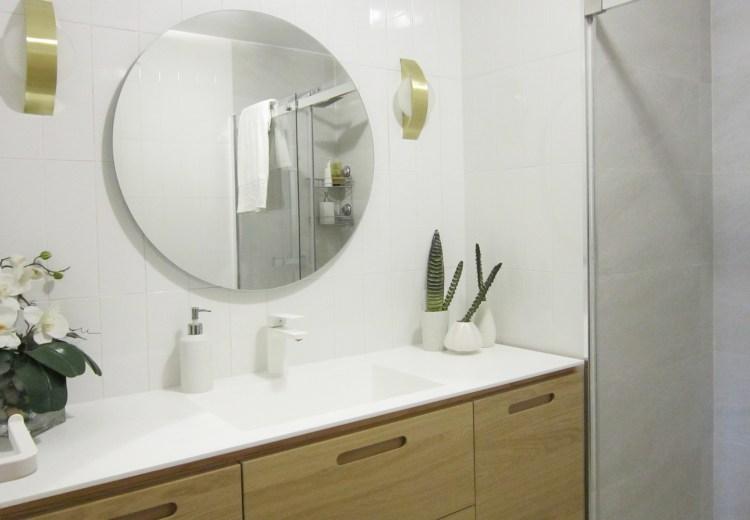 mueble de baño a medida con encimera de Corian