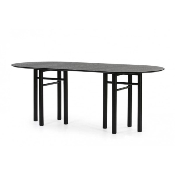 mesa de comedor ovalada en negro