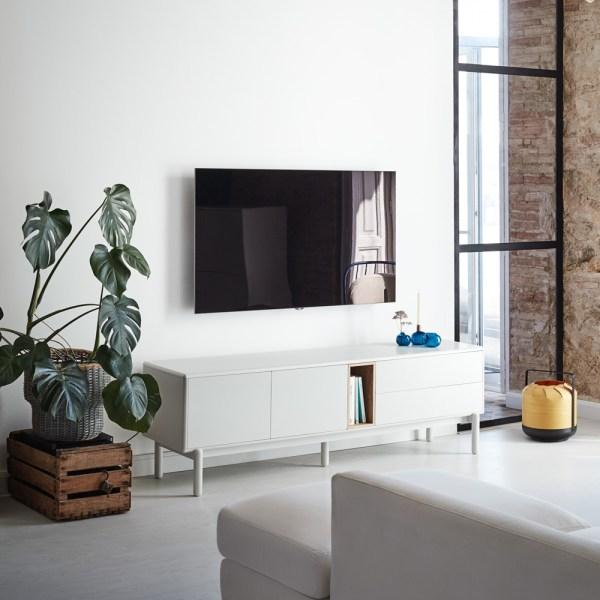 mueble de tv en blanco y roble
