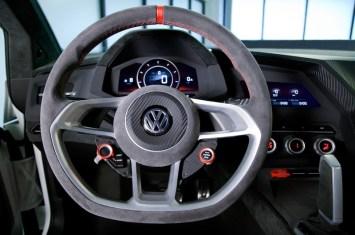 Volkswagen-Design-Vision-GTI-Concept-steering-wheel