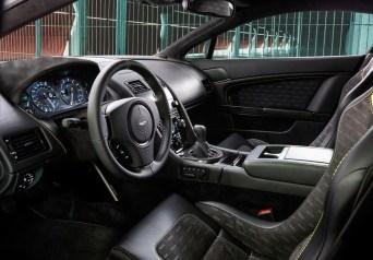 Aston Vantage N430interieur