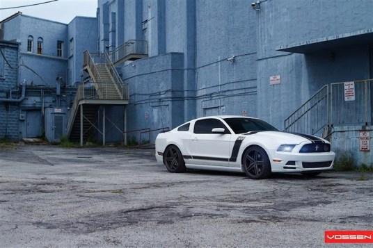 l_Ford_Mustang_VVSCV5_643