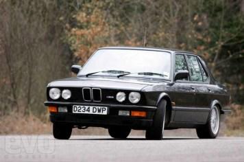 50_DLEDMV_BMW_M5_30ans_