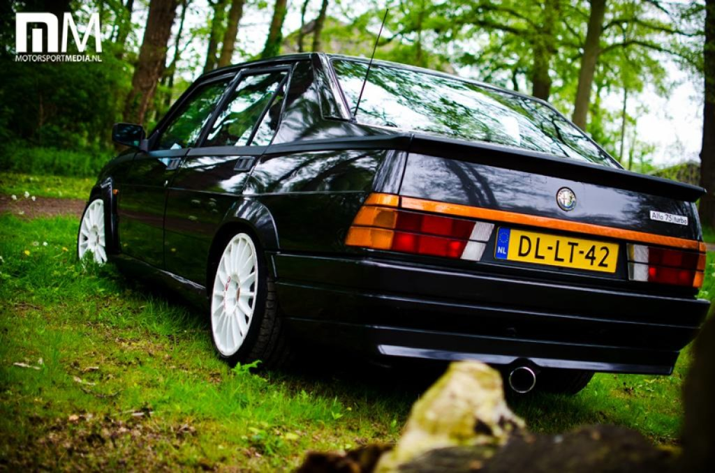 DLEDMV_Alfa_75_Turbo_Black_005