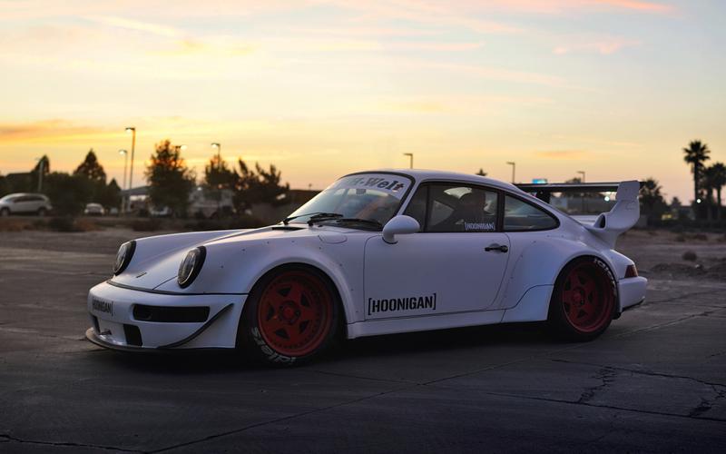 DLEDMV_Porsche_964_RWB_Donut_002