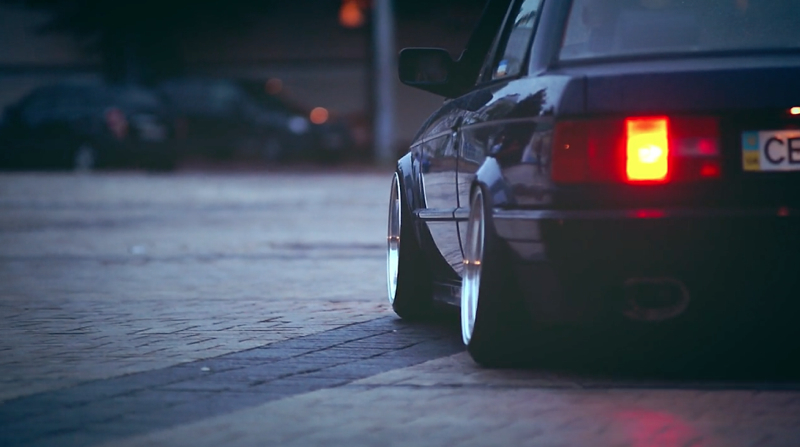 DLEDMV_BMW_E30_Slammed&Calm_002