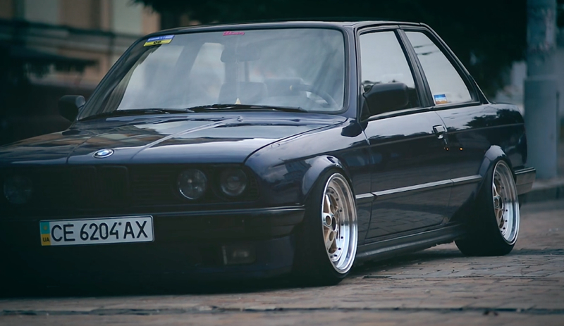 DLEDMV_BMW_E30_Slammed&Calm_004