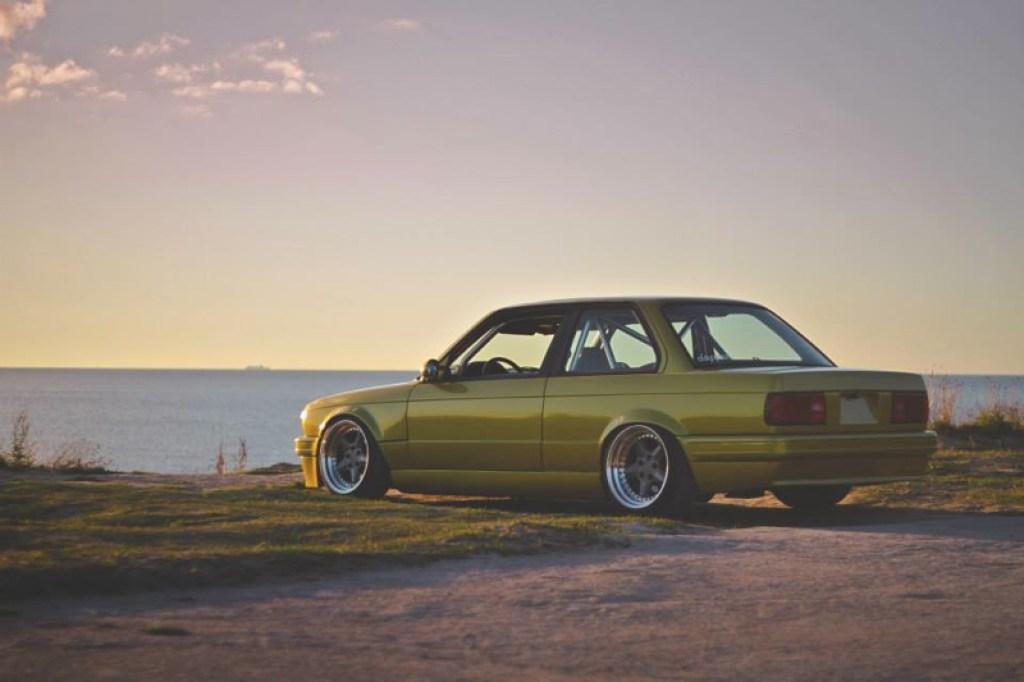 DLEDMV BMW 320i E30 Millenium Stance04