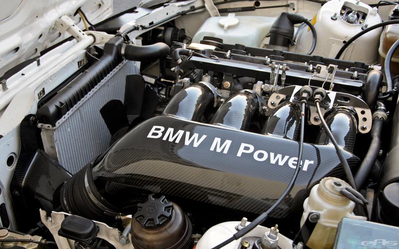 DLEDMV BMW M3 E30 EAS White Alpine11