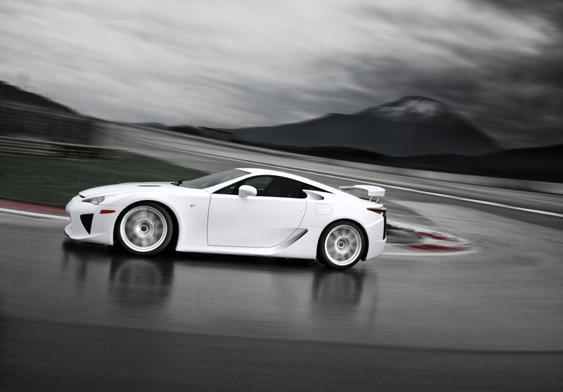DLEDMV_Lexus_LFA_EngineSound_06
