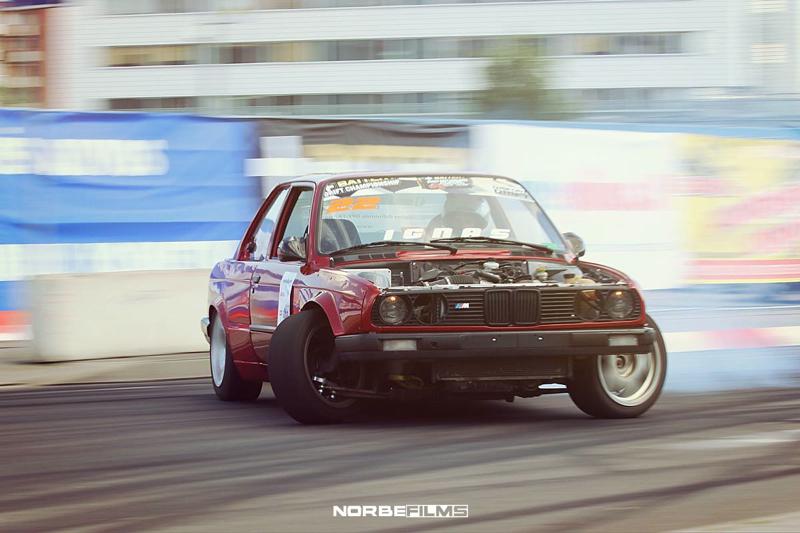 DLEDMV BMW E30 swap V8 drift 001