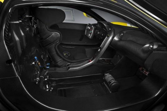 DLEDMV McLaren P1 GTR Harrods07