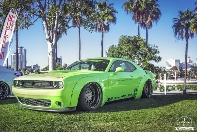 DLEDMV - Dodge Challenger Liberty Walk Tribute - 02