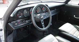 DLEDMV - Porsche 911 RSR restomod Autokennel - 03