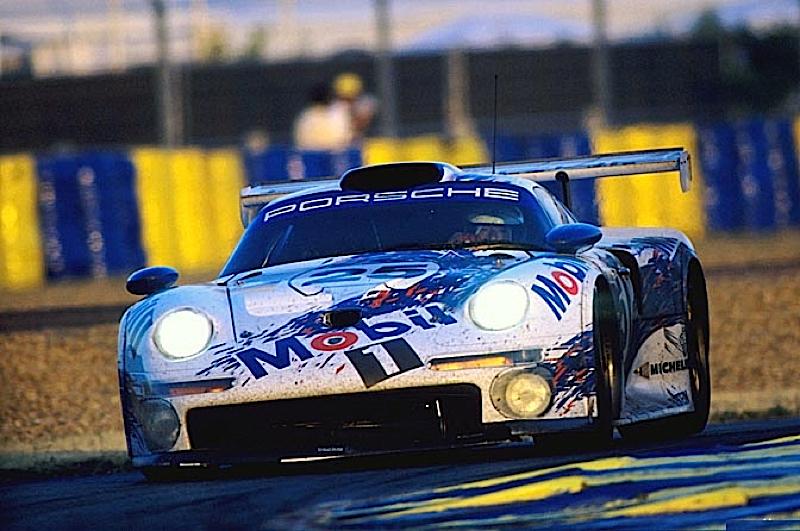 Race Battle : Le Mans 96 - McLaren F1 GTR vs Porsche 911 GT1 9