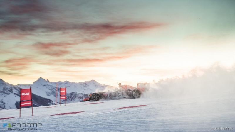 DLEDMV - F1 Verstappen Snow - 04