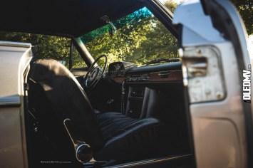 DLEDMV - Mercedes 250CE 69 airride Kevin - 27