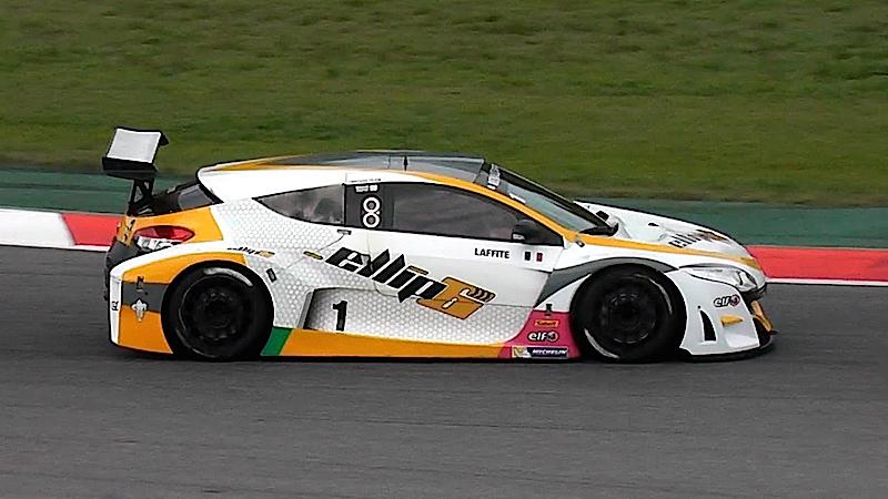 DLEDMV - Renault Megane V6 Trophy - 04