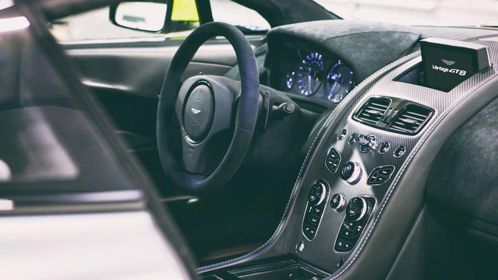 DLEDMV - Aston V8 Vantage GT8 - 09