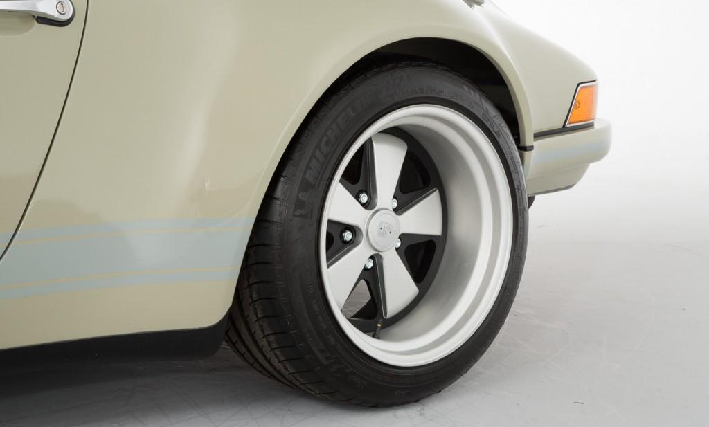 DLEDMV - Porsche 911 SC by Theon - 12